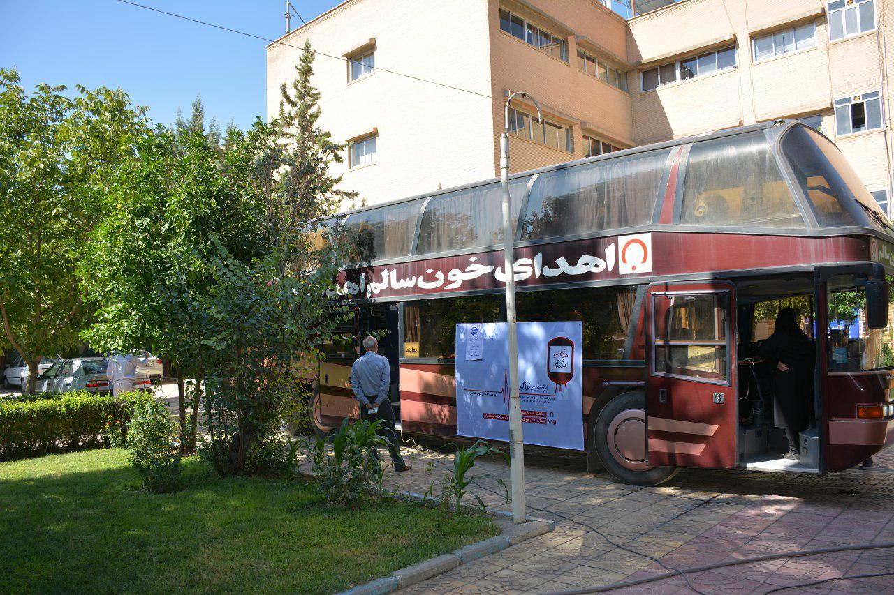 اهدای خون کارکنان مخابرات منطقه لرستان