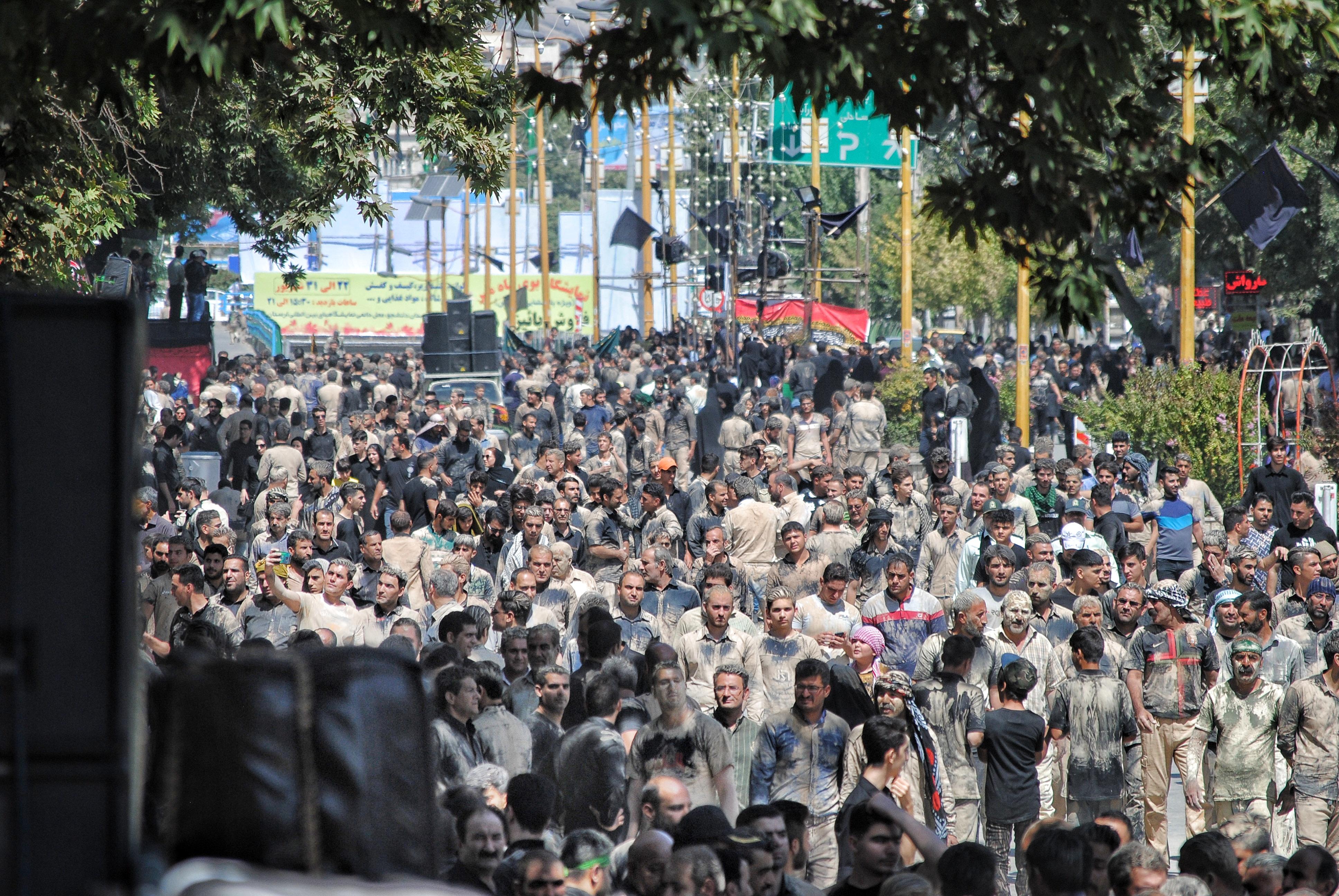 حماسه مردم خرمآباد در روز عاشورای حسینی