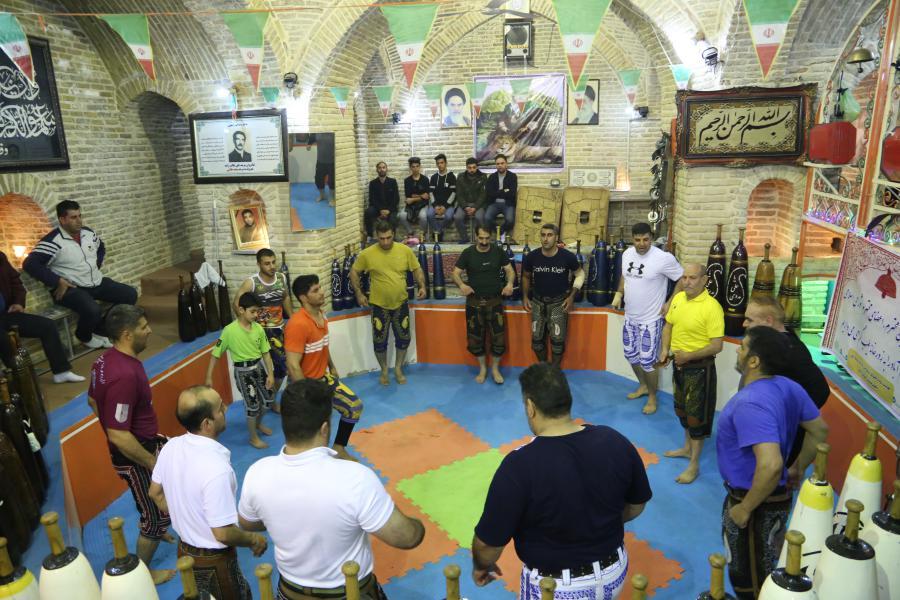 حضور اعضای شورای شهر خرم آباد در زورخانه طیب