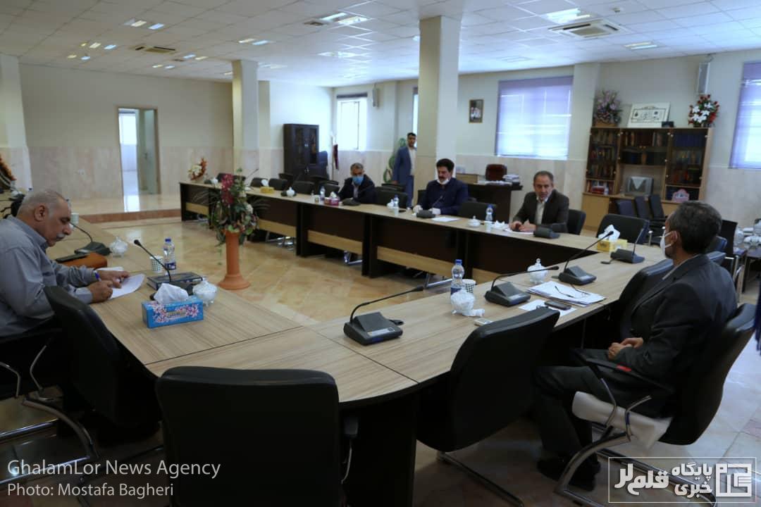 گزارش تصویری: برگزاری جلسه مقابله با «گرانی مسکن» در دادسرای خرمآباد