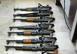 کلیپ| کشف چندین قبضه اسلحه در سلسله